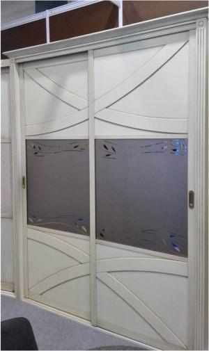 Классический шкаф купе с эксклюзивным декором Балаково