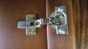 Петля для распашной двери с доводчиком Балаково
