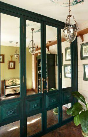 Распашные двери филенкой и декоративными накладками Балаково
